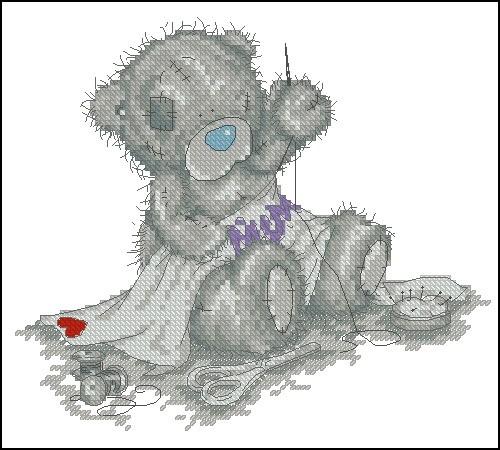 Тедди вышивает