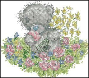 Тедди собирает цветы