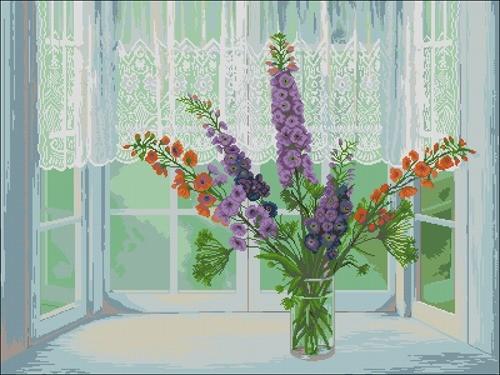 Люпины в вазе на окне