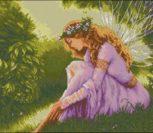 Лесная фея на траве