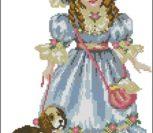 Кукла в голубом платье