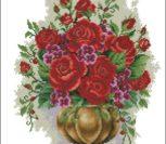 Букет роз в античной вазе