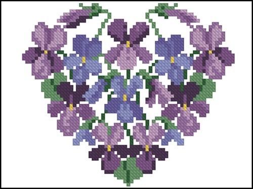 Сердечко из лиловых цветов