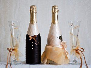 бутылка на свадьбу красивая своими руками