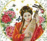 Японка с музыкальным инструментом