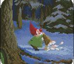 Гномик в красном колпачке, зимой в лесу