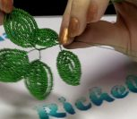ВИДЕО: Мастер-класс по плетению цветов из бисера для начинающих - роза и фиалка