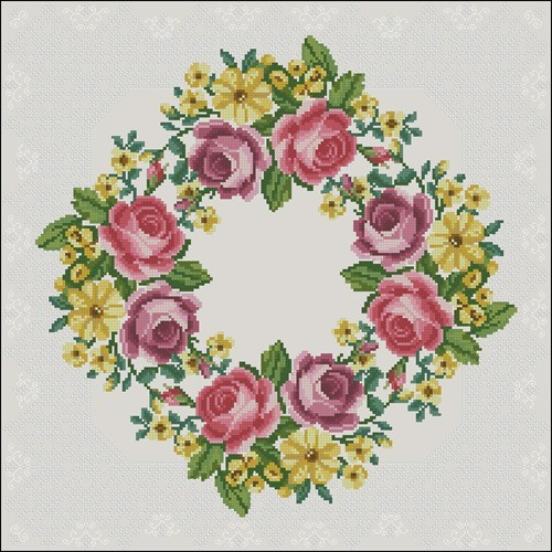 Цветочный венок для подушки