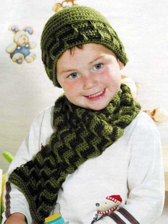 Комплект для мальчика - шапочка и шарфик