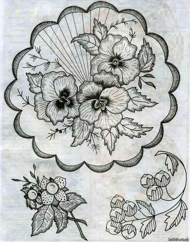 Красивая салфетка с цветами вышивка гладью