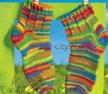 Разноцветные носки крючком