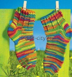 Разноцветные носки спицами