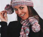 Шапка и шарф с помпонами спицами