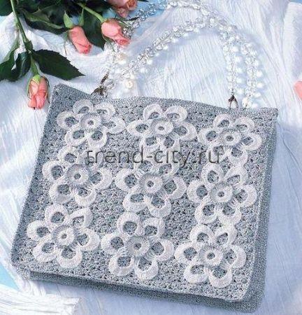 Вечерняя сумочка крючком с белыми цветами