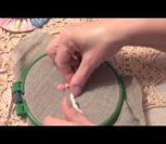 ВИДЕО УРОК: Вышивка розы из скрученной ленты для начинающих