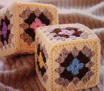 Вязаные кубики