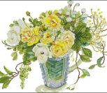 Желтые розы в вазе