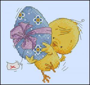 Цыпленок с подарком