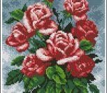 Букет красных роз на сером фоне